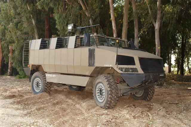 Algunos de los modelos que se presentaron a las pruebas y quedaron fuera por diferentes razones: Force Protection Cheetah, Protected Vehicles Inc Alpha-Bulldog y Rafale Golan. Fotos: Internet.