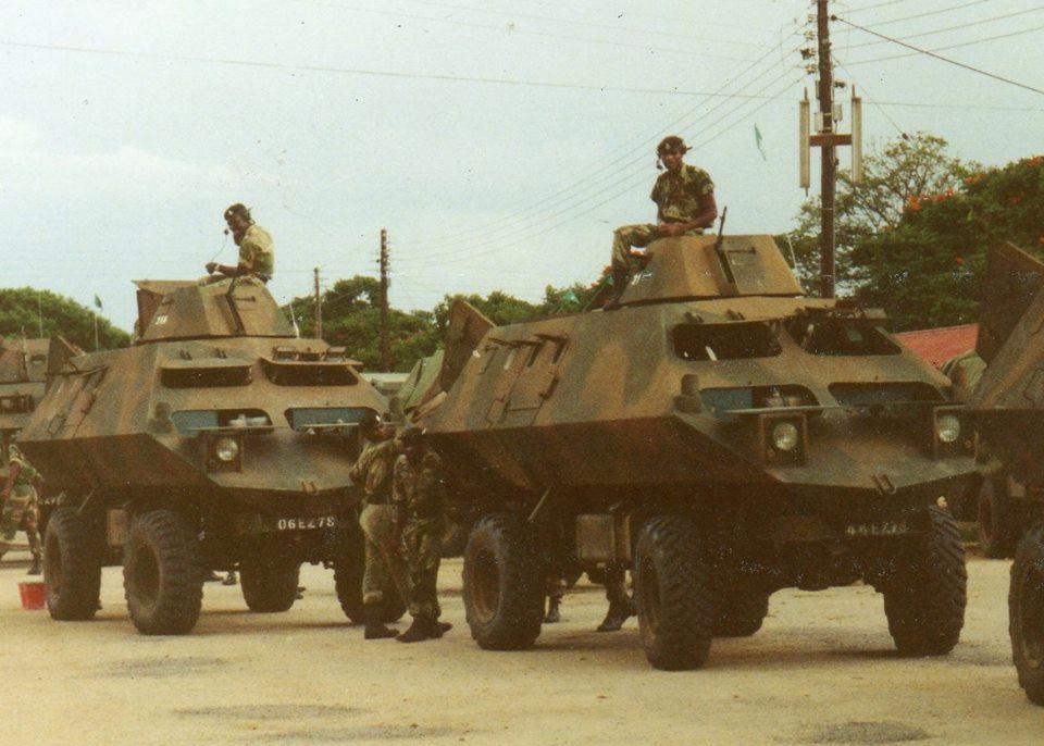 MPCVs pertenecientes al ejército de Zimbawe. El diseño monocasco en V se puede apreciar a simple vista al igual que la torreta armada con una ametralladora media FN MAG.
