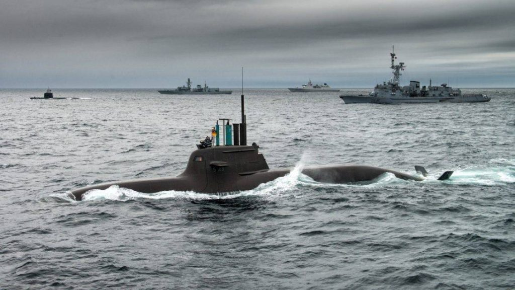 Formación naval durante el ejercicio anti-submarino Dynamic Mongoose 2015 - Imagen: OTAN