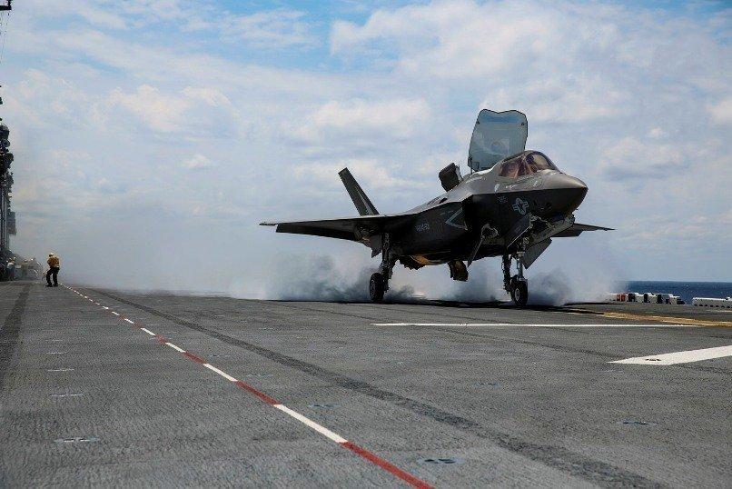 F-35B Lightning II durante actividades diurnas abordo del USS Wasp. Imagen - USMC - Cpl. Anne K. Henry