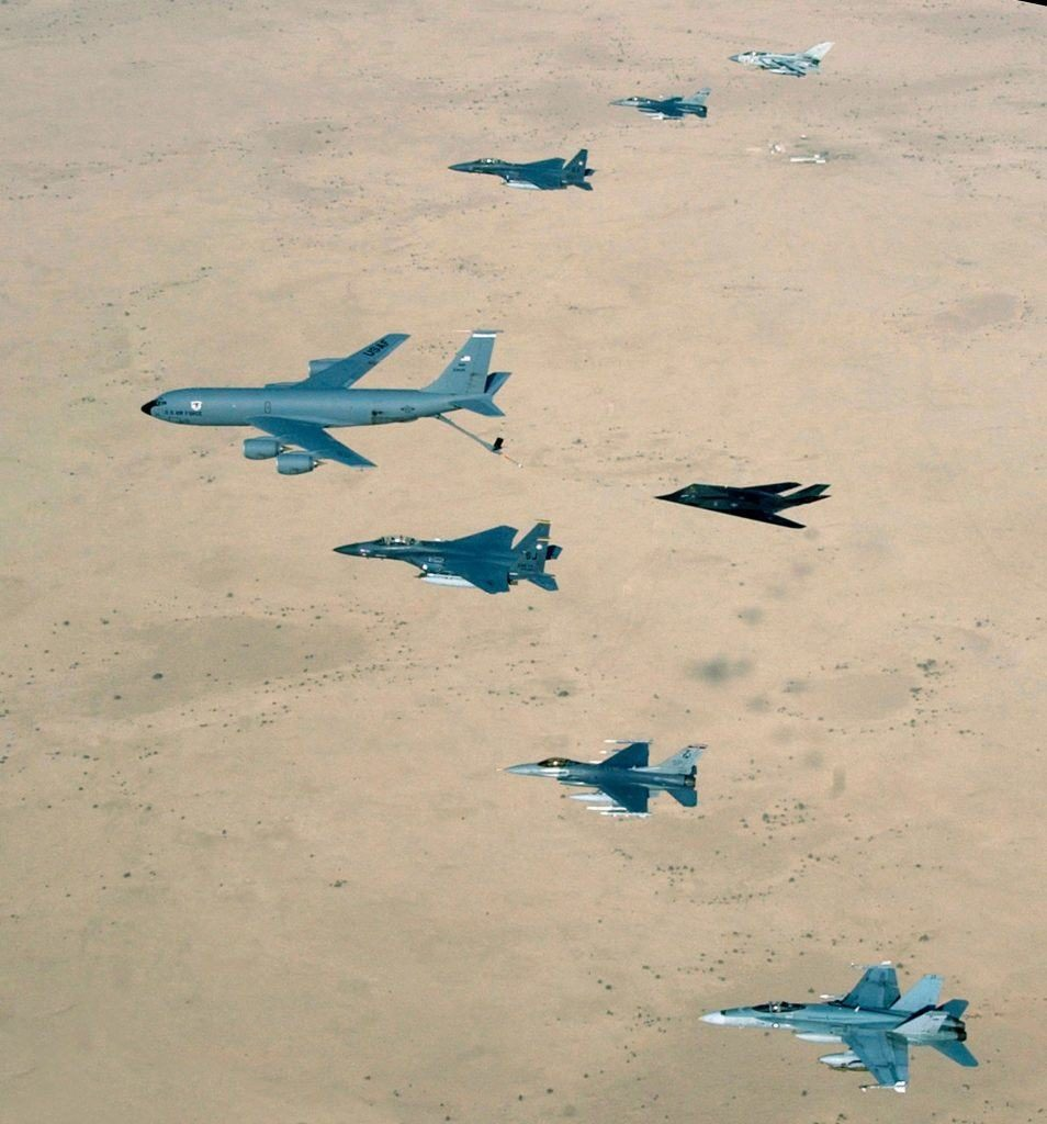 Formación aérea de las naciones aliadas durante el último conflicto en Iraq. Imagen: USAF - Master Sgt. Ronny Przysucha