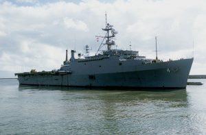 USS_Austin_(LPD-4)_underway_in_1982